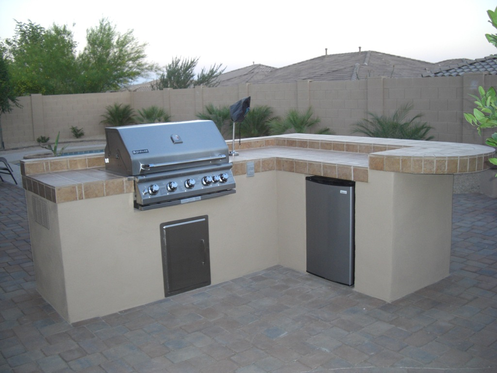 Outdoor bbq island plans outdoor kitchen building and design for Outdoor kitchen bbq designs