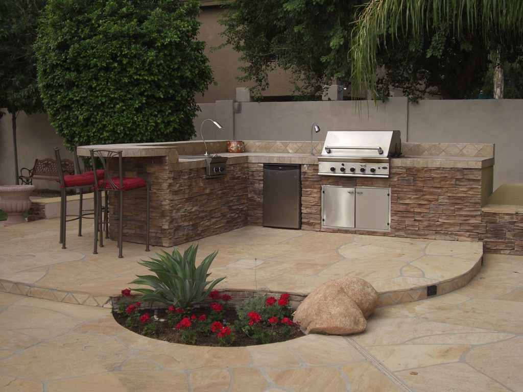 Outdoor bbq plans outdoor kitchen building and design for Outdoor grill island ideas
