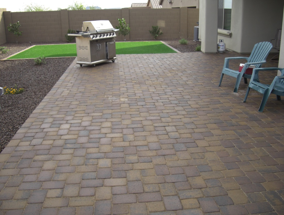 These Glendale landscaping clients' spacious new patio done in London Cobble. Loads of room for a dining set and conversation area without the fire pit in the same space.