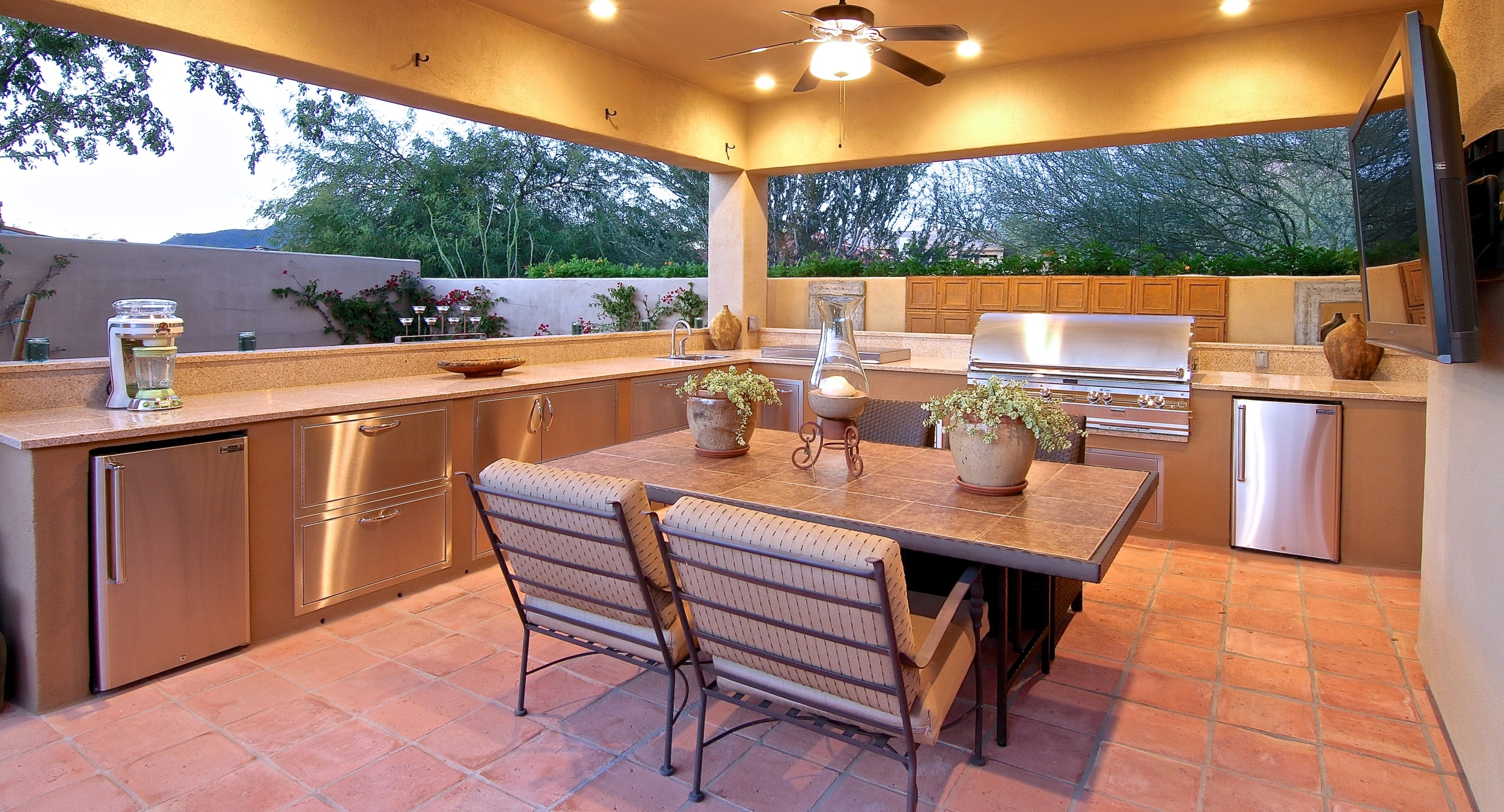 You can have it all, including the kitchen sink in Desert Crest outdoor kitchens, Phoenix and Scottsdale homeowners. The only thing missing in the one pictured here is a wood-fired oven.