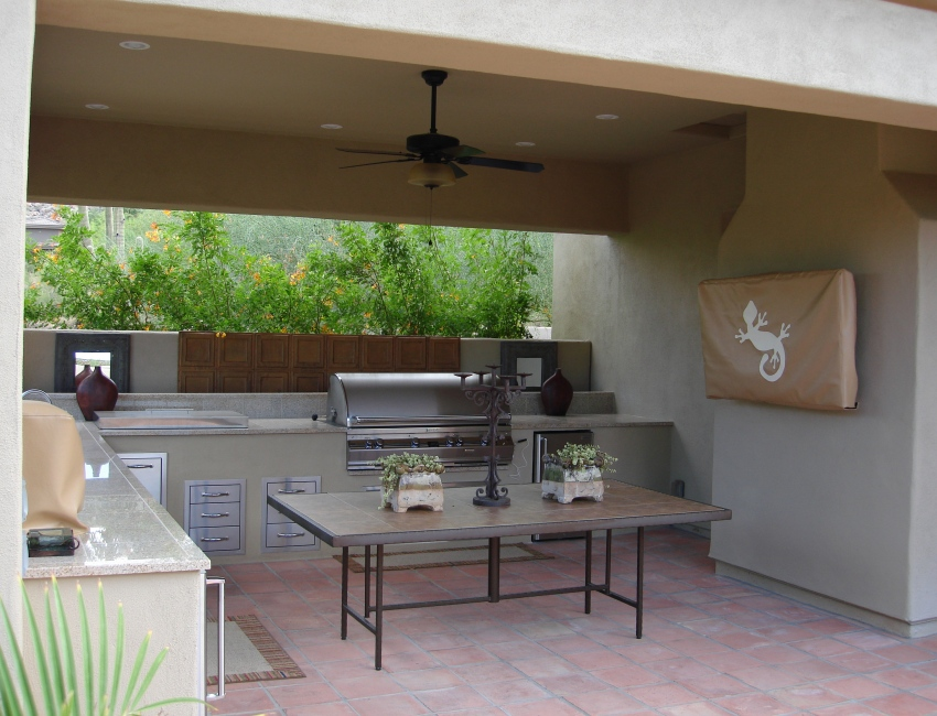 Scottsdale - Phoenix Outdoor Kitchens: basic built-grill islands to fully-equipped designs
