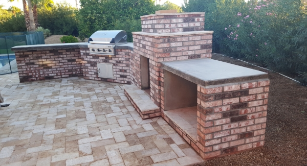 California Old Brick veneer is a new option for brick built-in BBQs Phoenix. A refreshing change of hue from the orangish tones we commonly see.