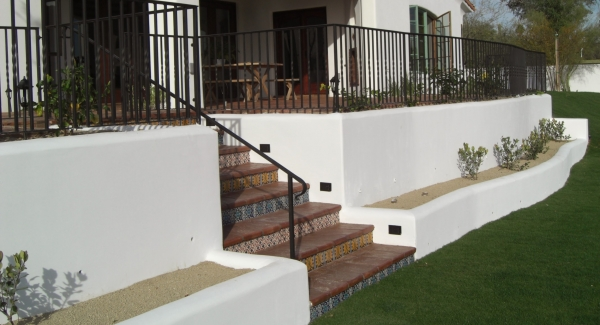 Any height Phoenix - Scottsdale retaining walls from Desert Crest are quality construction. This Scottsdale client's walls are engineered walls to retain a full sized patio.