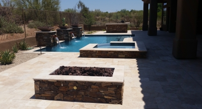 It's not hard to fall in love with travertine pool decking, Scottsdale. It's low-maintenance, long-lasting, and stunning. Better still, This stone looks great with just about any style.